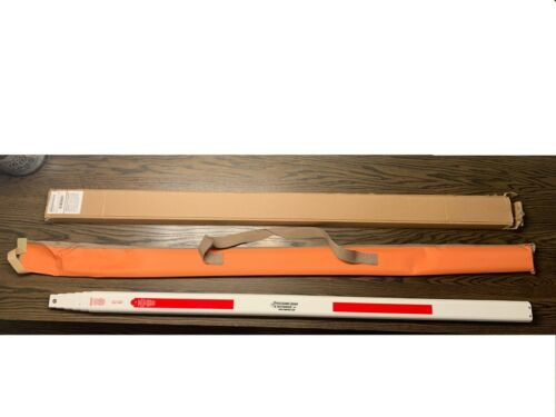 Seco 98010  25 Foot SVR Fiberglass Grade Rod in 10ths with Carrying Case