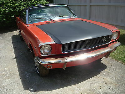 1965 Ford Mustang V8 convertible 1965 Ford Mustang convertible