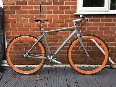 TREK DISTRICT 1 Carbon Belt Drive Single Speed Bike. Size M / 54cm.