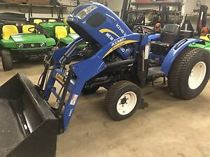 New Holland Loader Tractor