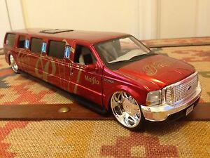 Very Rare & Hard to Find 1:24 Diecast Maisto Ford Excursion Limo