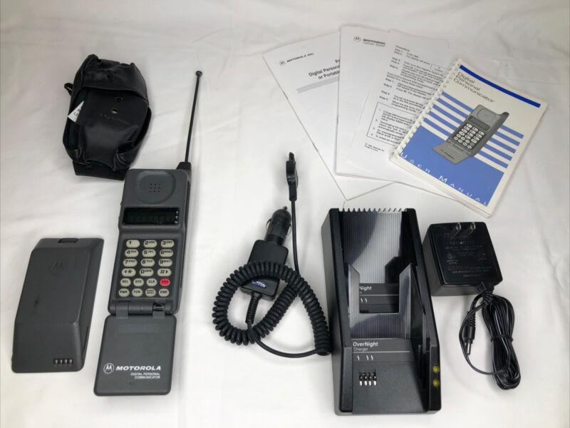 Vintage Cellular Motorola Digital Personal Communicator Flip Phone With Chargers