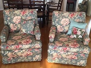 Floral Couch & 2 Matching Chairs