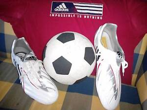 ADIDAS PREDATOR SOCCER/RUGBY/FOOTBALL BOOTS - PERFECT CONDITION Christies Beach Morphett Vale Area Preview