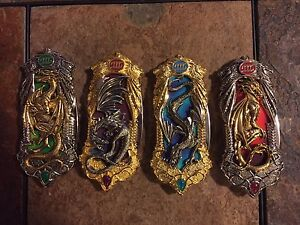 Collectable dragon knives