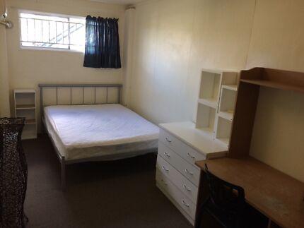 Newmarkt Room $150 INC ALL BILL&WIF