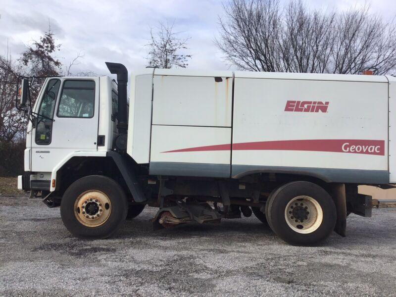 2007 Sterling SC-8000 Truck Elgin Geovac Series Sweeper