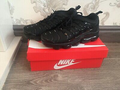 Nike Air Vapormax Plus Size 8- Triple Black