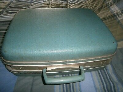 Vintage Hard Samsonite Silhouette Light Blue Luggage Suitcase15 Inch with Keys