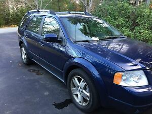 2007 Ford Freestyle Limited. SUV