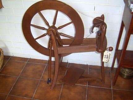 Ashford Traditional spinning wheel