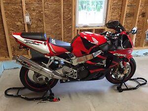 Honda CBR929 RR fireblabe