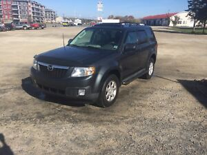 2010 MAZDA TRIBUTE 4X4 (BLOW OUT SALE!!!)