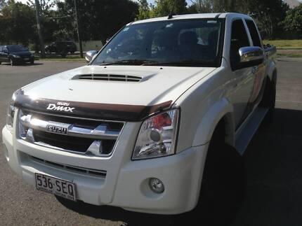 ISUZU D-MAX - LS-U 4X4 Crew Cab Ute MY12 with Lift Kit & Muddies Hawthorne Brisbane South East Preview
