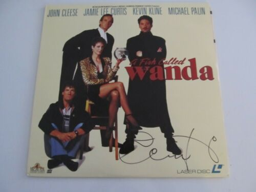 """JAMIE LEE CURTIS AUTOGRAPHED """"A FISH CALLED WANDA"""" LASER DISC!"""