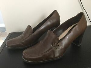 Brown size 11 dress shoes