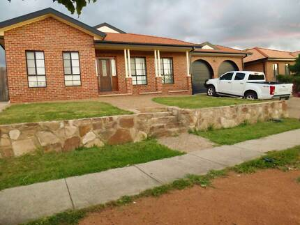 Large room for rent in Share House close to Gungahlin town centre