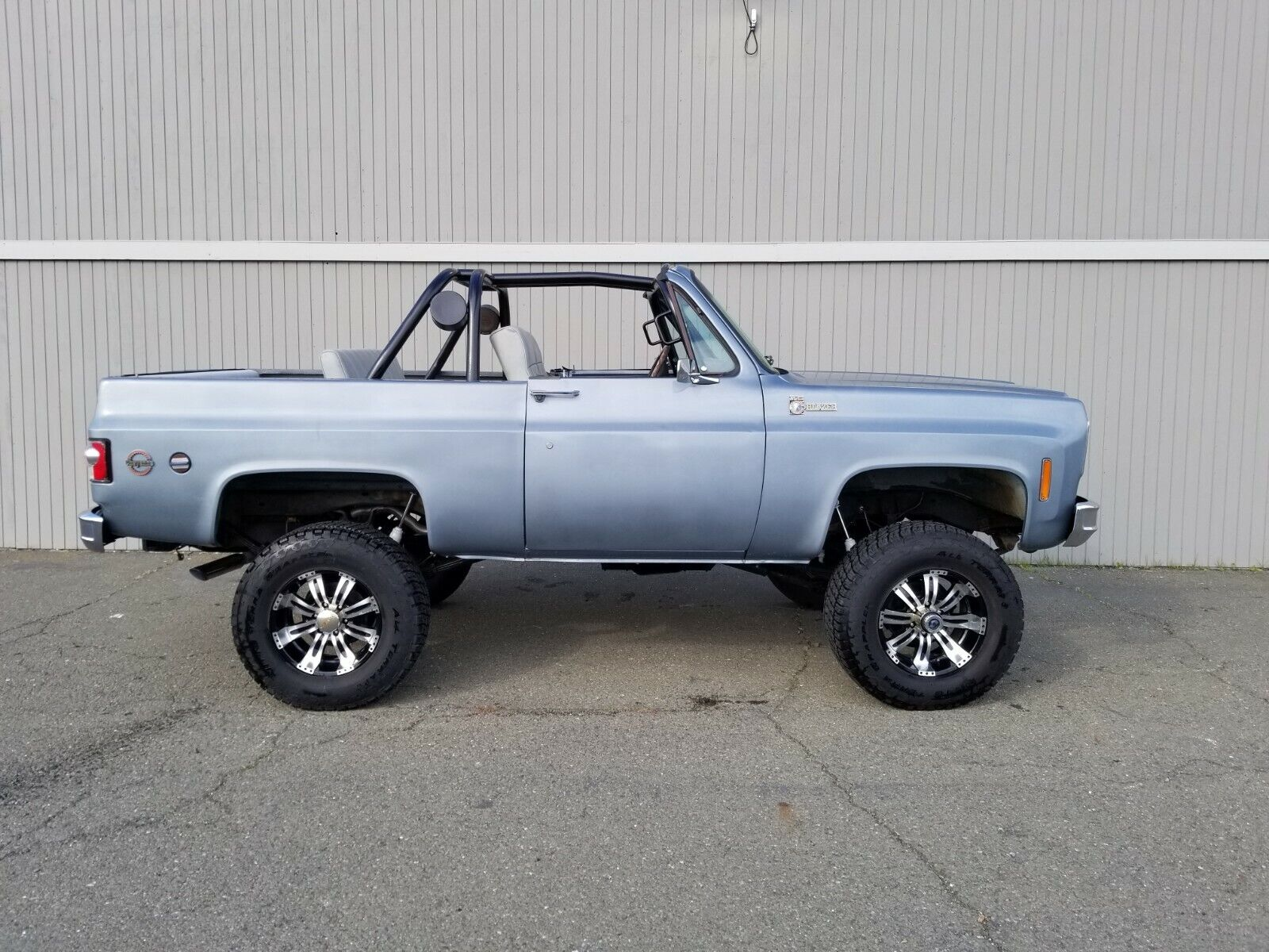 1975 Chevrolet Blazer  1975 Chevrolet Blazer K5 , 383ci-V8, Auto, 4x4, 64k miles, Silver