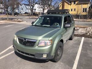Awesome SUV v6 Mazda Tribute 4x4 perfect condition new MVI