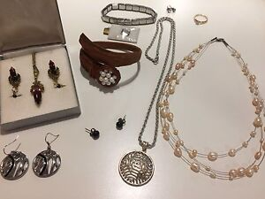 Lot of jewellery including diamond, silver, pearl