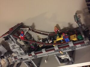 Lego 76057 Spiderman bridge battle with box and book