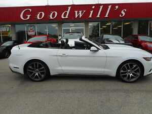 2016 Ford Mustang ECOBOOST! PREMIUM! COUPE! CLEAN CARPROOF! NAVI