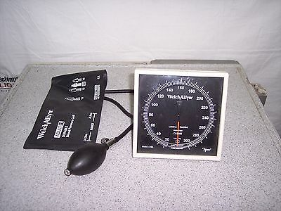 Welch Allyn Tycos 7670-01 Sphygmomanometer
