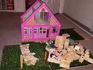 Real like Pink Dollshouse with furniture Maroubra Eastern Suburbs Preview