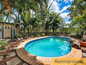 5 ACRES * POOL * STABLE * GRANNY FLAT Woodford Moreton Area Preview