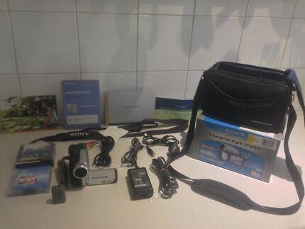 Sony Handycam DCR-DVD653E