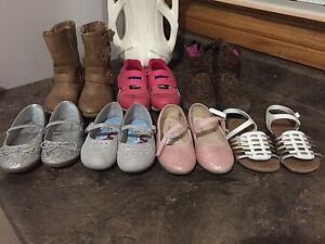 Size 9 Girls Shoes/Shoes