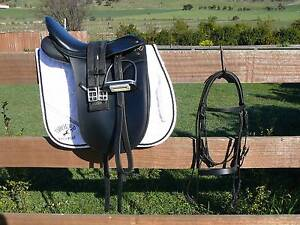 """17"""" WINTEC 500 DRESSAGE SADDLE PACKAGE Sorell Sorell Area Preview"""