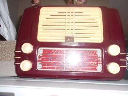 HMV little nipper  bakerlite 1952 radio Fremantle Fremantle Area Preview