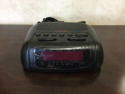 Sunbeam #89014 FM/AM Alarm Clock Radio with Battery Back-Up in Black, NRFB