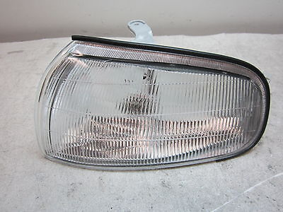 nn705425 Toyota Camry 1992 1993 1994 LH Corner Turn Light Lamp Aftermarket