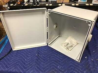 Junction Box Polyester Hinged Wclamp Gray 14.02 X 12.01 X8.35 In Nema13 Polypro