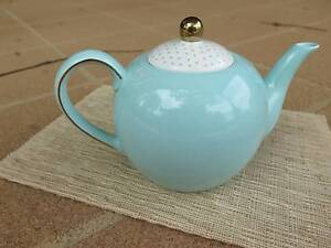 Ceramic teapot Cherrybrook Hornsby Area Preview