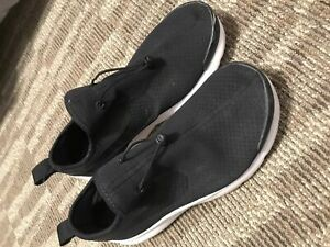 Nike laceless sneakers size 8