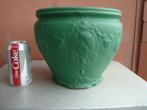 """Weller Matte Green 8.5"""" by 9.5"""" Lady Cameo Jardiniere"""