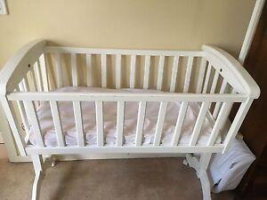 Baby Cradle Altona Meadows Hobsons Bay Area Preview