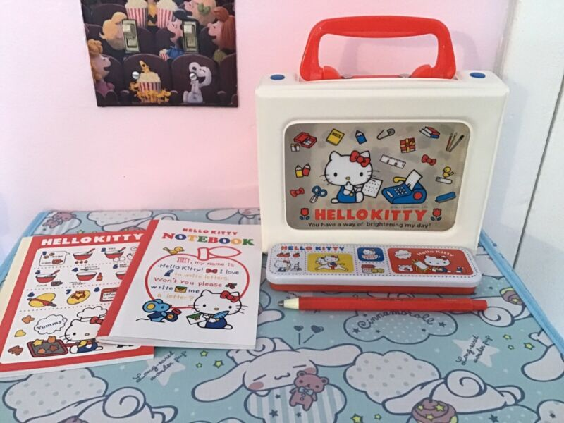Sanrio Hello Kitty Stationary Set With Case