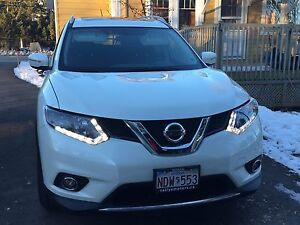 2015 Nissan Rogue SV AWD lease takeover - LOW kms