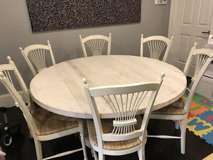 La Maison Cayman Dining Table
