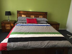 Excellent king size bed set Waurn Ponds Geelong City Preview