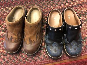2 Pairs of Western Roper Clogs Mules Navy & Brown Size ladies 9
