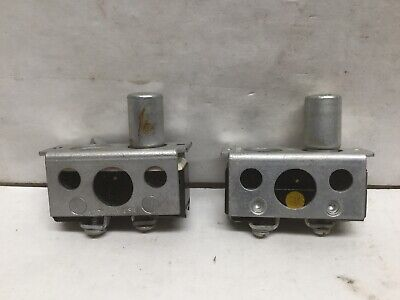Micro Switch Wz-rq41 Button Plunger Switch W Bracket Onoff 15a 125v Lot Of 2