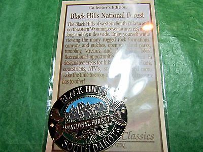 BLACK HILLS NATIONAL FOREST HIKING MEDALLION SOUTH DAKOTA TRAVEL SOUVENIR (H53)