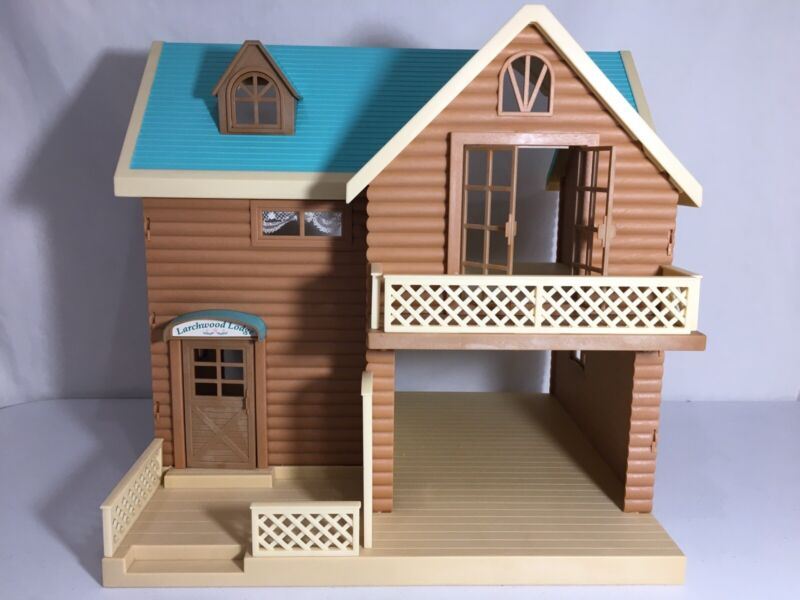 Calico critters/sylvanian families Larchwood Lodge House