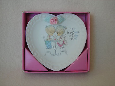 Collectible 1994 Precious Moments Mini Heart Shaped Friendship Plate w/Stand