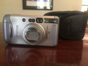 VINTAGE CANON FILM CAMERA POINT N SHOOT 35mm CAMERA EC RETRO
